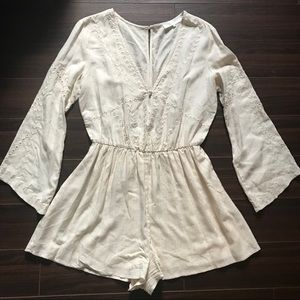 ASTR Cream Long-Sleeved Romper Medium